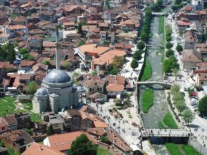 Stadsgezicht van Prizren in Kosovo